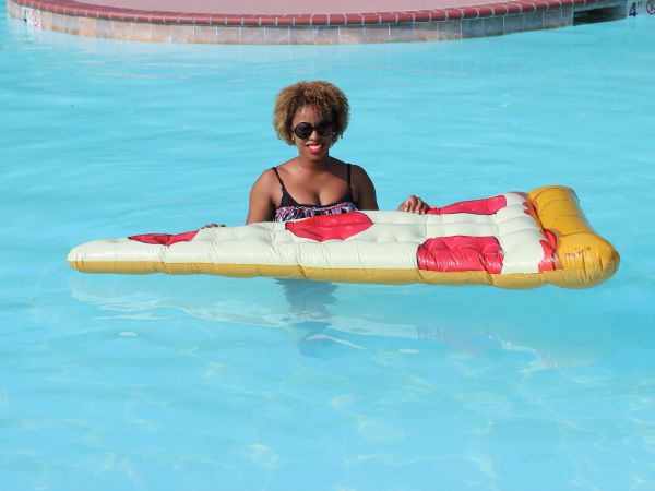 What I Wore: Pizza and a Pool #OOTD