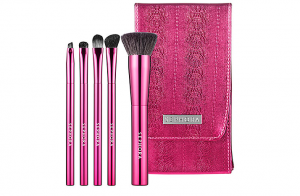sephora-breast-cancer-awareness-2012-makeup-brush-set-glamazons-blog