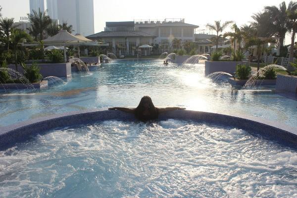 st-regis-abh-dhabi-nation-riviera-beach-club-glamazons-blog-post