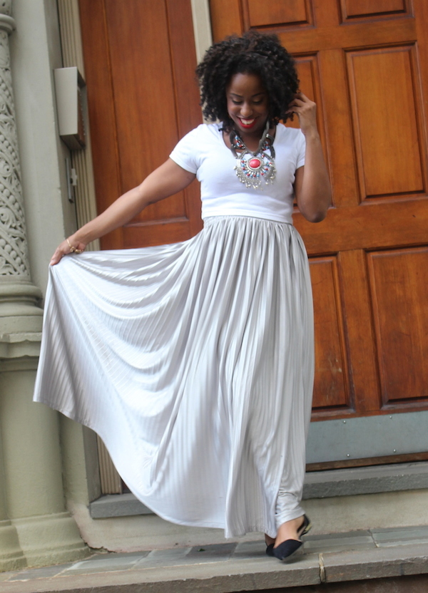 street-style-american-apparel-crop-top-silver-maxi-skirt-hm-necklace-zara-flats-mac-riri-woo-glamazons-blog-004