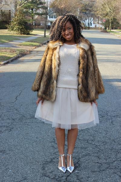 street-style-asos-faux-fur-jacket-romwe-cream-sweater-target-tulle-skirt-zara-silver-pointy-toe-pumps-glamazons-blog-3