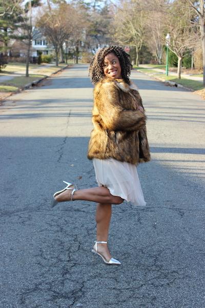 street-style-asos-faux-fur-jacket-romwe-cream-sweater-target-tulle-skirt-zara-silver-pointy-toe-pumps-glamazons-blog