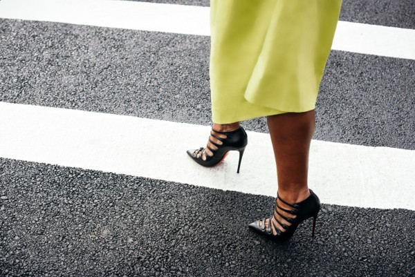 street-style-asos-neon-skirt-christian-louboutin-pumps-dress-up-with-jess-jessica-c-andrews-glamazons-blog