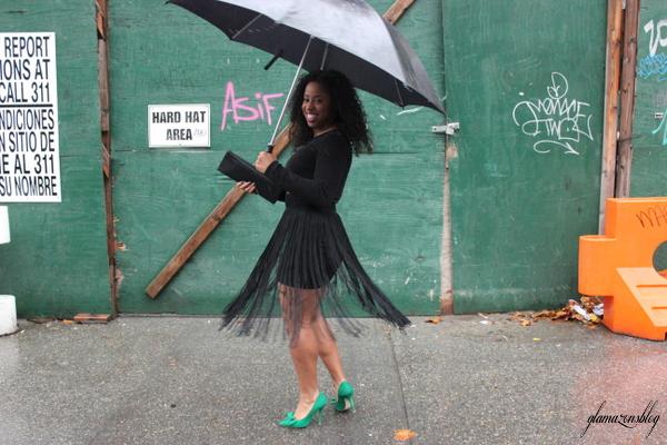 street-style-hm-crop-top-fringe-skirt-kate-spade-hello-tokyo-clutch-just-fab-fairfield-pumps-glamazons-blog-2