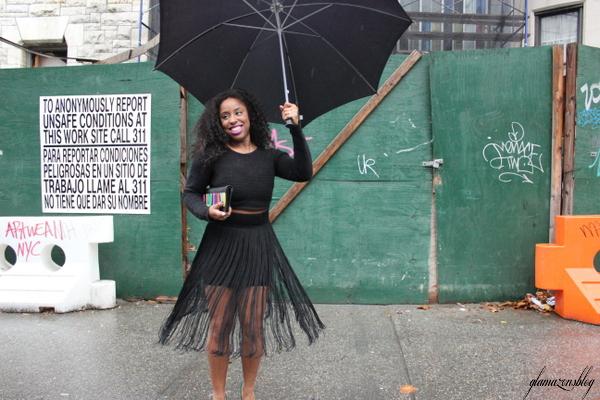 street-style-hm-crop-top-fringe-skirt-kate-spade-hello-tokyo-clutch-just-fab-fairfield-pumps-glamazons-blog-20