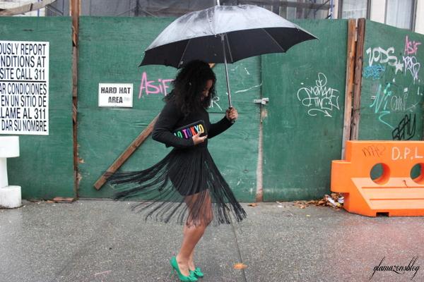 street-style-hm-crop-top-fringe-skirt-kate-spade-hello-tokyo-clutch-just-fab-fairfield-pumps-glamazons-blog-23