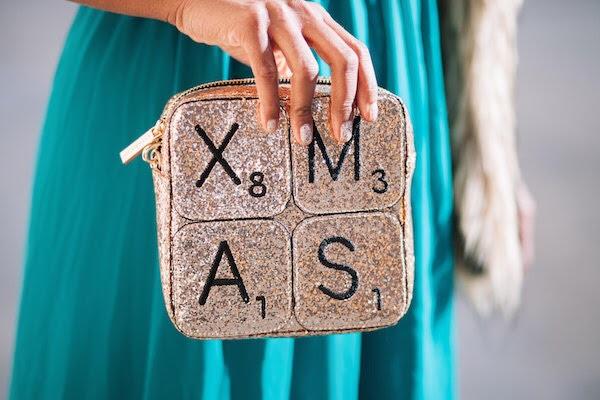 street-style-jessica-c-andrews-skinnydip-xmas-clutch-asos-dress-up-with-jess-glamazons-blog-edit