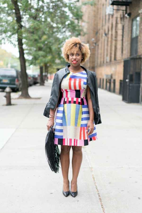 street-style-kate-spade-multi-stripe-kite-bow-back-dress-cole-haan-grand-revolution-pumps-fringe-bag-jessica-c-andrews-glamazons-blog-2