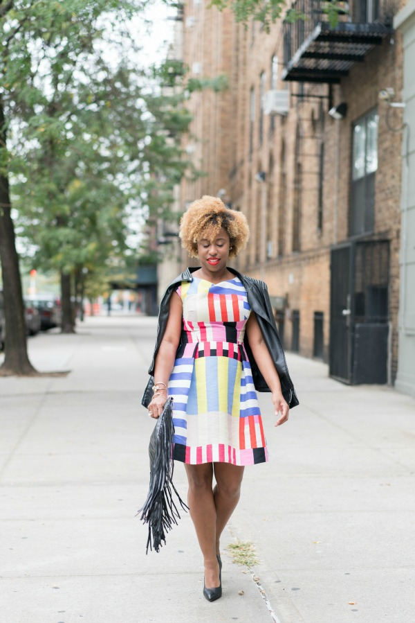 street-style-kate-spade-multi-stripe-kite-bow-back-dress-cole-haan-grand-revolution-pumps-fringe-bag-jessica-c-andrews-glamazons-blog