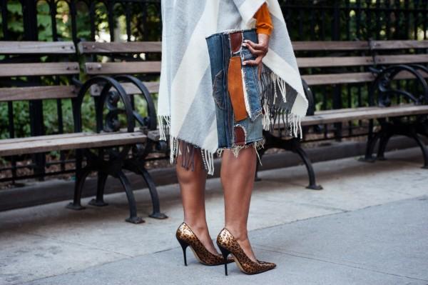 street-style-poncho-denim-patchwork-clutch-leopard-pumps-jessica-c-andrews-glamazons-blog-2