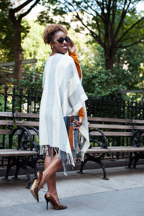 street-style-poncho-denim-patchwork-clutch-leopard-pumps-plum-lipstick-jessica-c-andrews-glamazons-blog-2