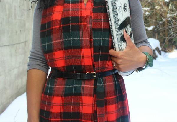 street-style-snow-belt-wrapped-around-scarf-plaid-scarf-patricia-field-money-clutch-beanie-hat-just-fab-zyree-glamazons-blog-4-edit-2