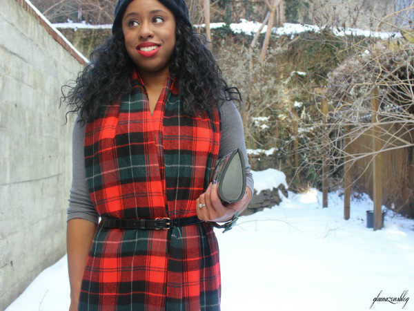 street-style-snow-belt-wrapped-around-scarf-plaid-scarf-patricia-field-money-clutch-beanie-hat-just-fab-zyree-glamazons-blog-5-edit