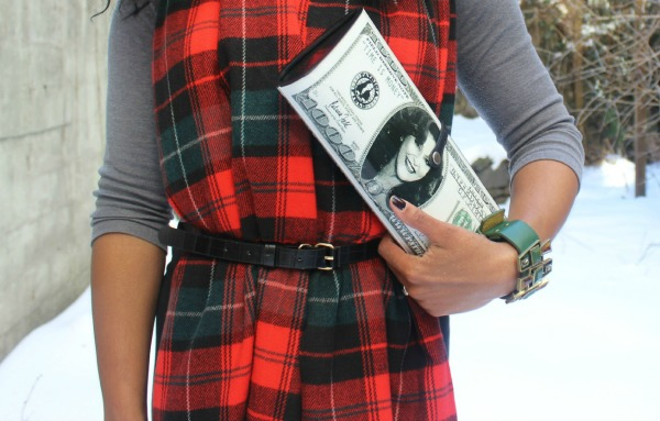 street-style-snow-belt-wrapped-around-scarf-plaid-scarf-patricia-field-money-clutch-beanie-hat-just-fab-zyree-glamazons-blog-7-edit-2
