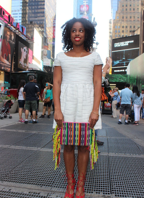 street-style-times-square-white-dress-just-fab-vernon-red-asos-woven-clutch-with-fringing-glamazons-blog-0-edit-001