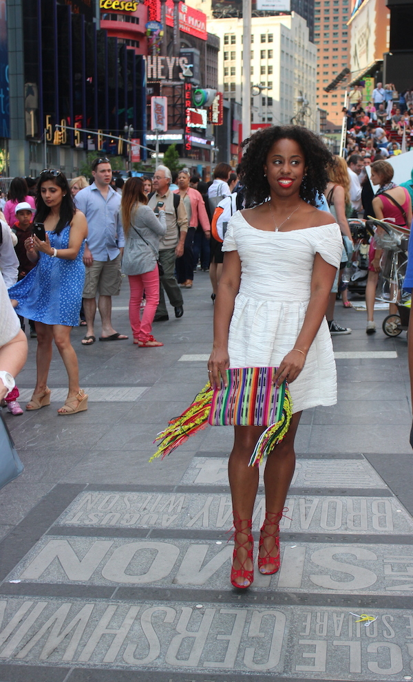 street-style-times-square-white-dress-just-fab-vernon-red-asos-woven-clutch-with-fringing-glamazons-blog-005-edit