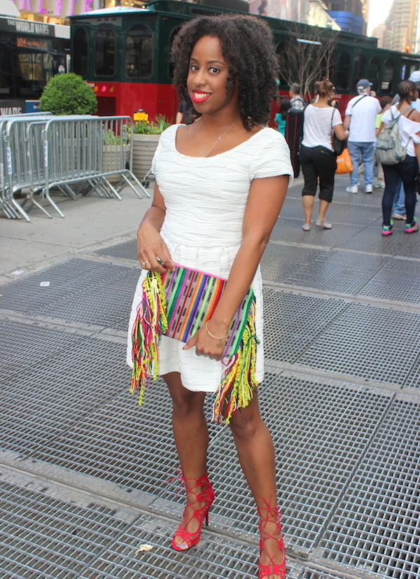 street-style-times-square-white-dress-just-fab-vernon-red-asos-woven-clutch-with-fringing-glamazons-blog-016-edit-001