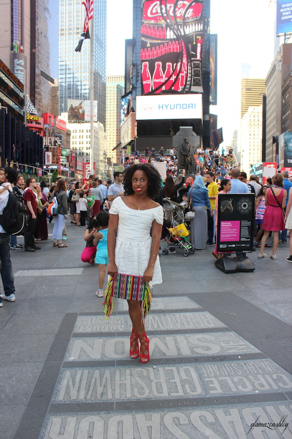 street-style-times-square-white-dress-just-fab-vernon-red-asos-woven-clutch-with-fringing-glamazons-blog-11-edit