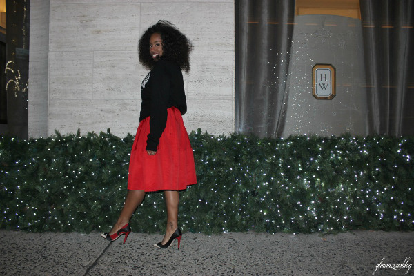street-style-ugly-christmas-sweater-express-red-full-skirt-alice-olivia-stacey-face-pumps-5th-avenue-holiday-store-windows-new-york-city-jessica-c-andrews-glamazons-blog-4-new
