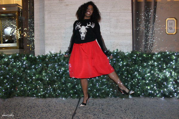street-style-ugly-christmas-sweater-express-red-full-skirt-alice-olivia-stacey-face-pumps-5th-avenue-holiday-store-windows-new-york-city-jessica-c-andrews-glamazons-blog-5-new