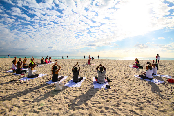 yoga-beach-glamazons-blog